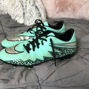 Shoes - Soccer cleats